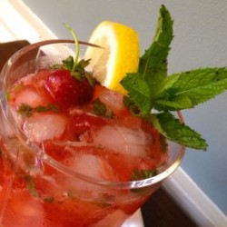 Celebrate Summer with Strawberry Bourbon Lemonade